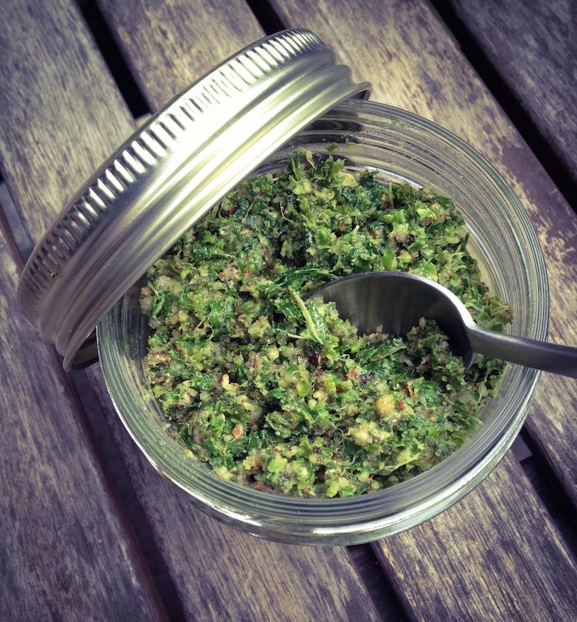 Tartinade de Kale &  Noix de Grenoble